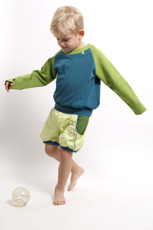 Spielmode-Outfit: Punktspiel-Hose und Froschi in Blau