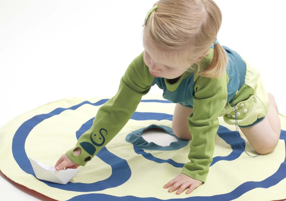Spielmode-Outfits: Punktspiel-Hose und s'läuft in Blau