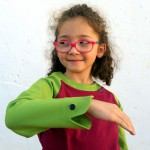 Der freche Froschi – Longsleeve mit Handpuppe am Ärmel – Grün-Beere
